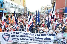Costa Rica government employees on strike