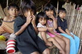 a group of poor children in Costa Rica
