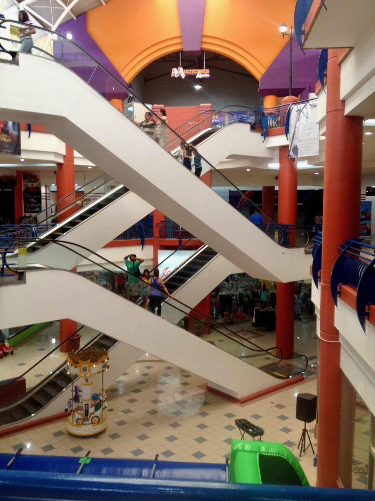 Shopping Mall in Liberia near Playas del Coco