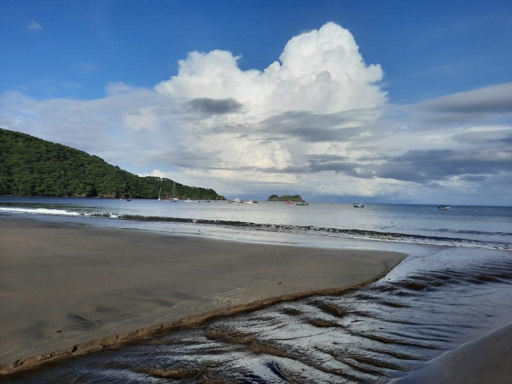 Tranquil Costa Rica beach